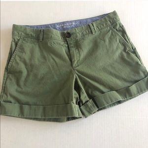"Banana Republic Green ""City Chino"" Shorts 8"